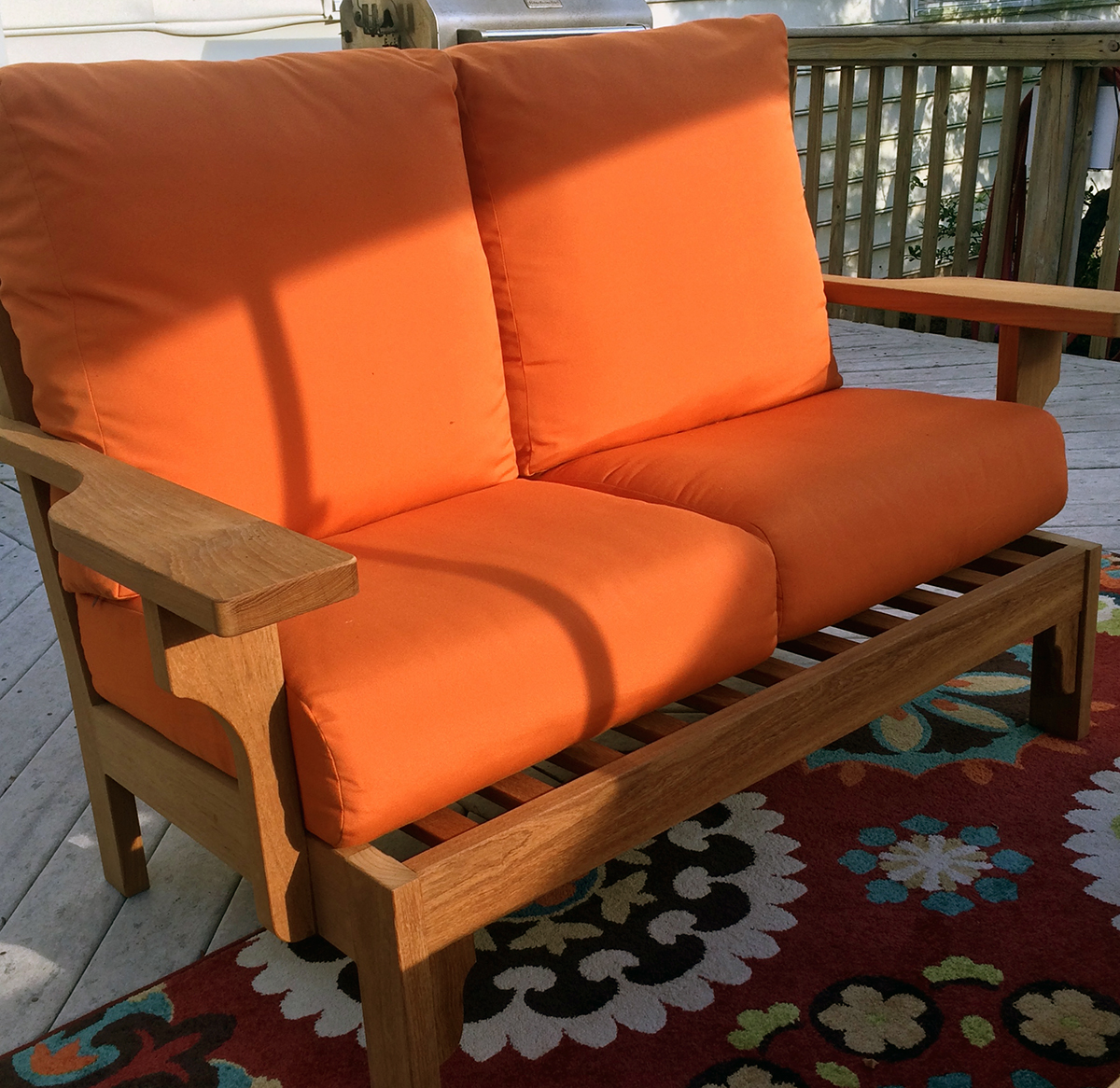 Avalon Love Seat
