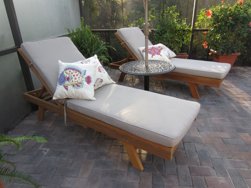 Brookfield Chaise Lounge